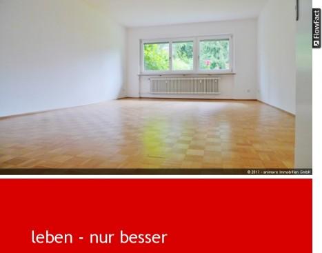 Lichtdurchflutetes Wohnzimmer in einer 5-Zimmer Wohnung in München