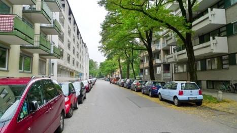 Straße vor 2-Zimmer-Wohnung in München-Schwabing